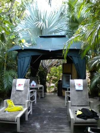 Cabana for 6 at Discovery Cove