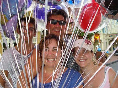 family-with-balloons