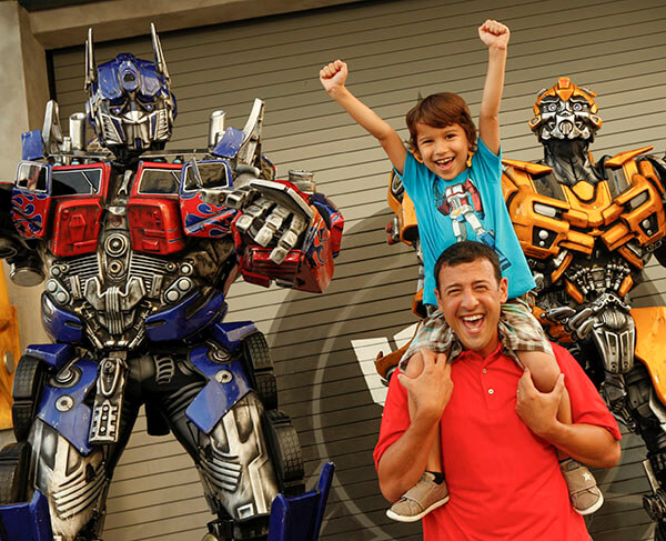 Dad and son meeting the Transformers at Universal Florida